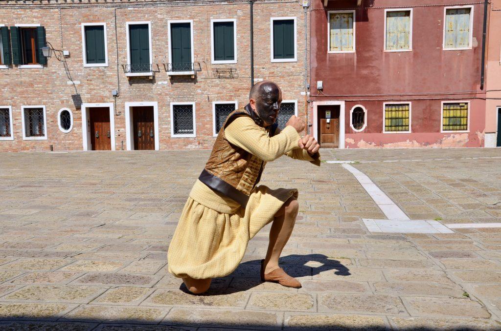 Passeggiata con Otello e Jago duello